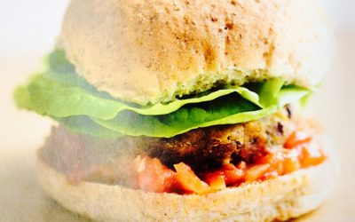Quick and delicious budget recipes: Carrot, cumin and kidney bean burgers