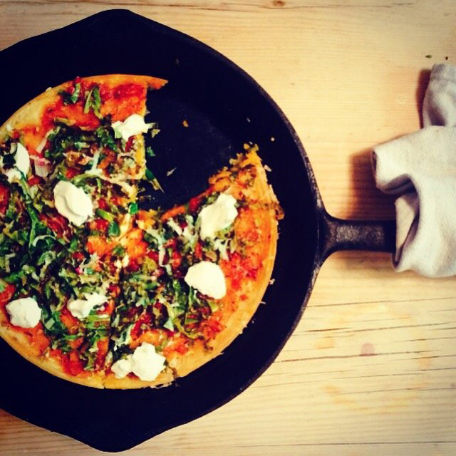Quick and delicious budget recipes: Frying-Pan-Pizza